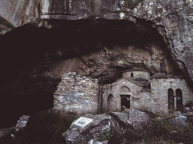 Επεισόδιο 3: Τα μυστήρια της σπηλιάς Νταβέλη